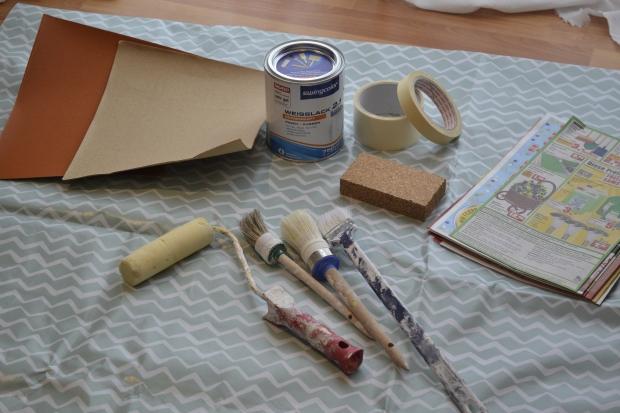 materialen-alte-holzuhr-lackieren